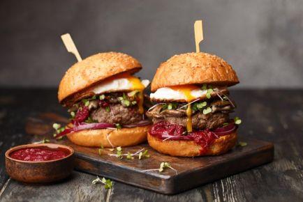 Пришло время бургеров! Где их можно попробовать в Днепре?