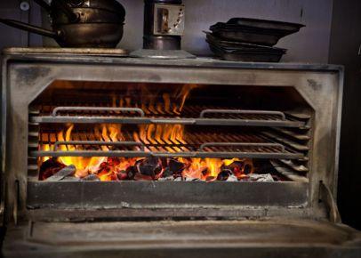 Где попробовать блюда из уникальной печи-гриль хоспер в Ивано-Франковске