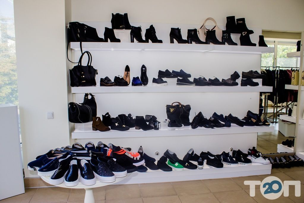 4 сезони, магазин взуття - фото 24