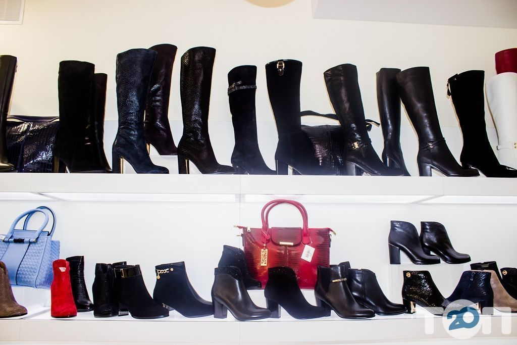 4 сезони, магазин взуття - фото 48
