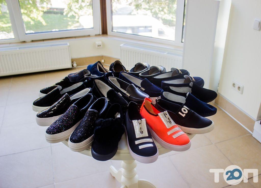 4 сезони, магазин взуття - фото 56