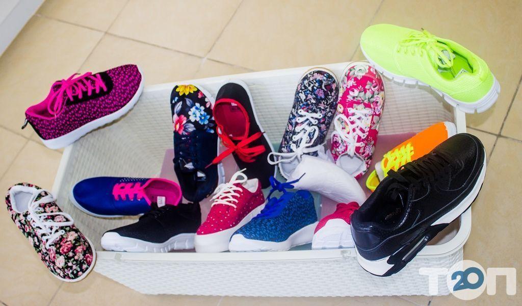 4 сезони, магазин взуття - фото 57