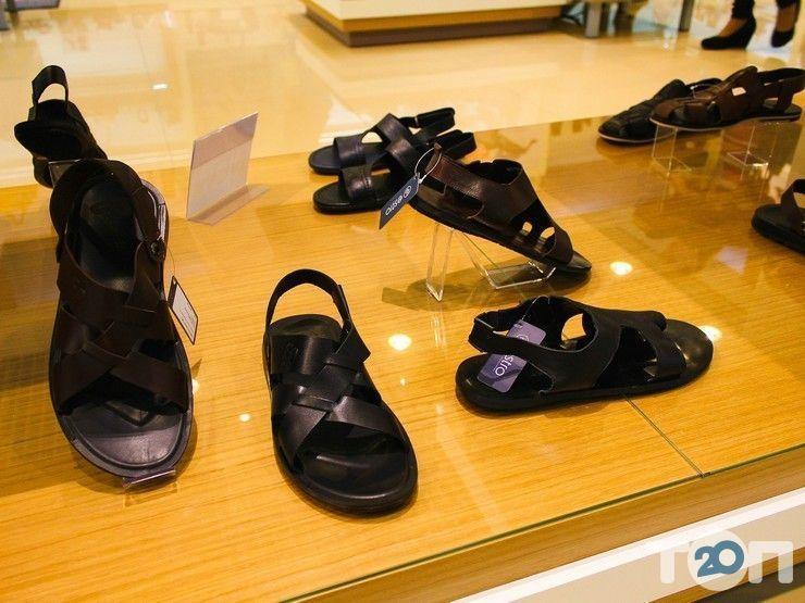 Estro, магазин взуття та аксесуарів - фото 2