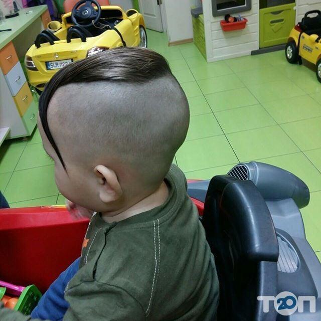 Гарнюня, перукарня сімейного типу - фото 16
