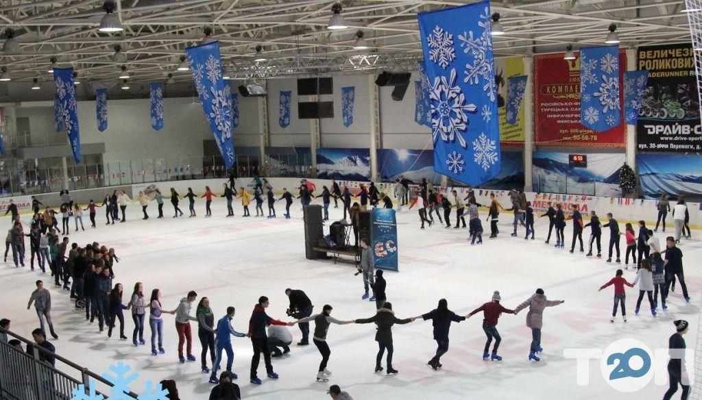 Льодовий клуб, каток - фото 1