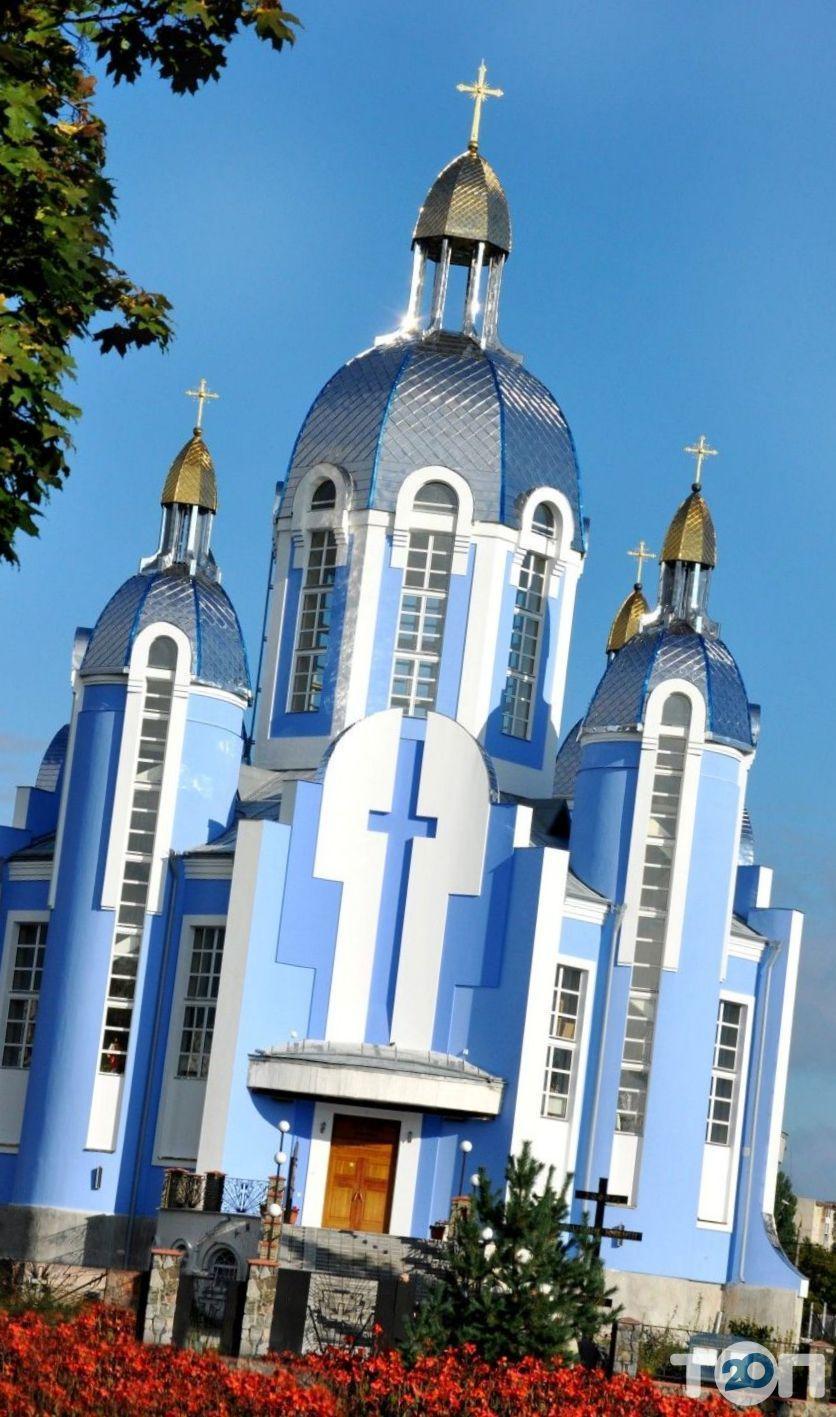 Церква Покрова Богородиці - фото 1