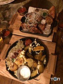Три Миколи, сімейна ресторація - фото 1