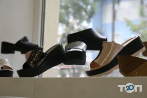 4 сезони, магазин взуття - фото 8