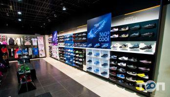 Adidas, магазин взуття - фото 3