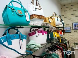 Any Place, магазин одягу та аксесуарів - фото 3
