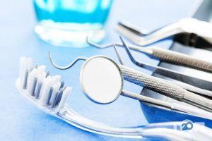 Дент Вайт, стоматологічний кабінет - фото 1