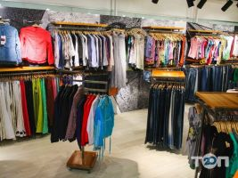 Місто Outlet, магазин одягу - фото 4