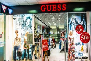 GUESS, магазин одягу - фото 4