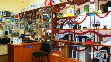 Матриця, Комп'ютерний магазин - фото 5