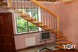 Юра, виготовлення дерев'яних сходів фото