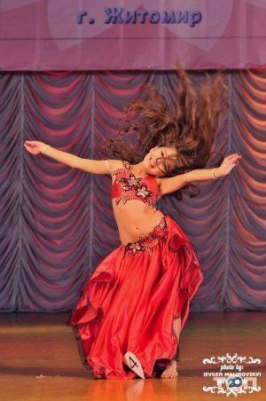 Amberly, школа восточных танцев