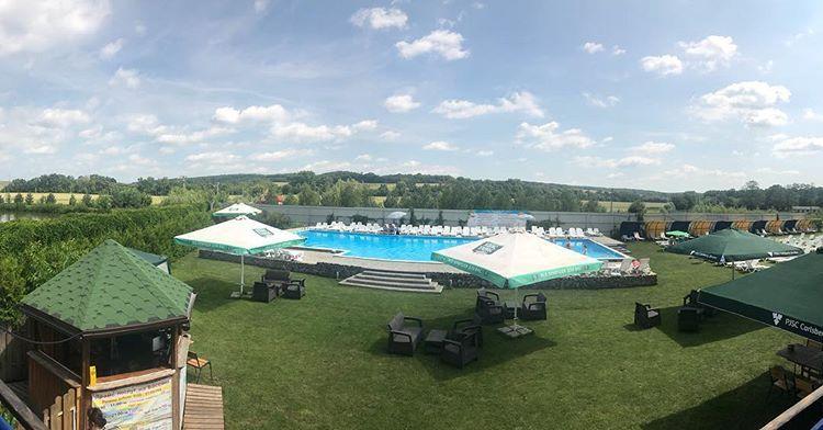 ТОП-5 баз отдыха с бассейном вблизи Хмельницкого