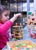 Маленький Сократ, магазин розвиваючих игрушек - фото 1