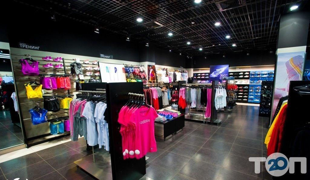 Adidas, магазин обуви - фото 1