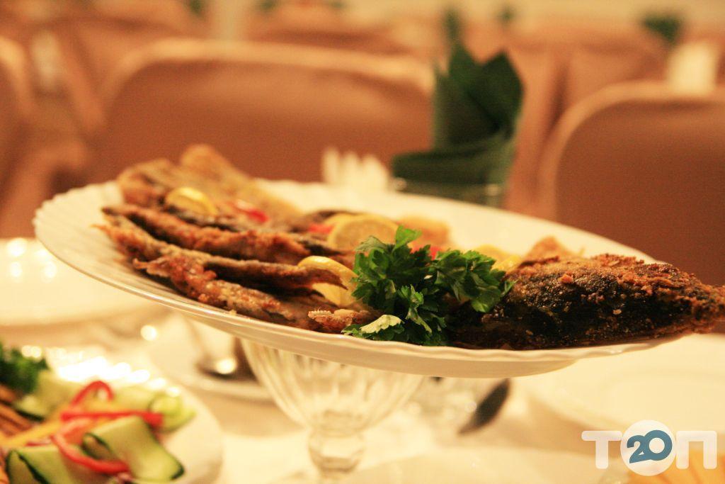 Смерека, кафе украинской кухни - фото 15