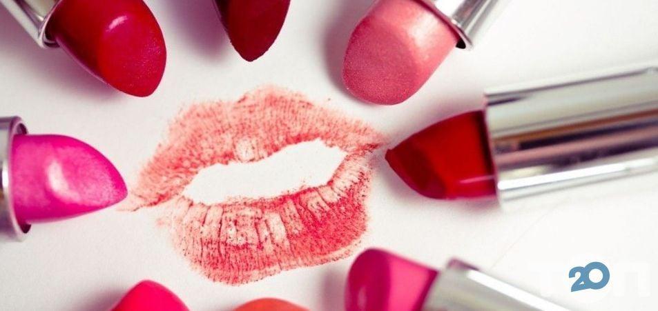 Farmasi, декоративная косметика и парфюмерия - фото 1