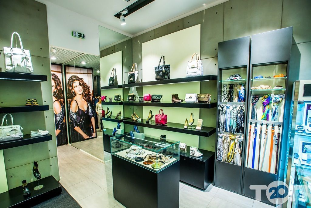 GUESS, магазин одежды на карте Винницы Адрес, телефон, контакты на 20.ua ac42aa15e0e