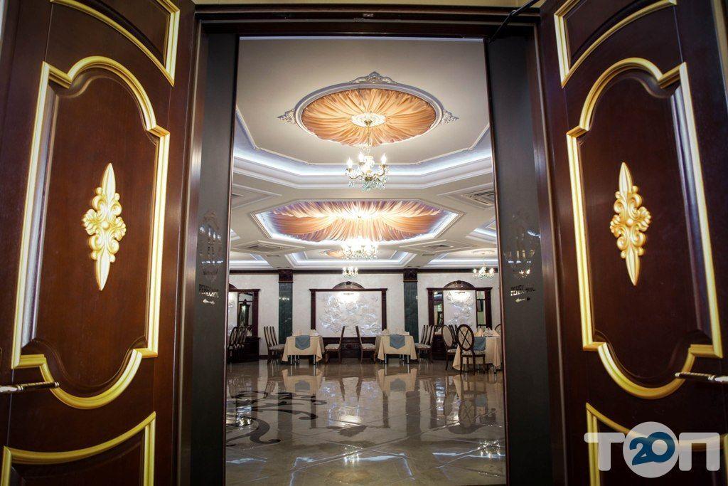 Ренессанс, ресторан европейской кухни - фото 1
