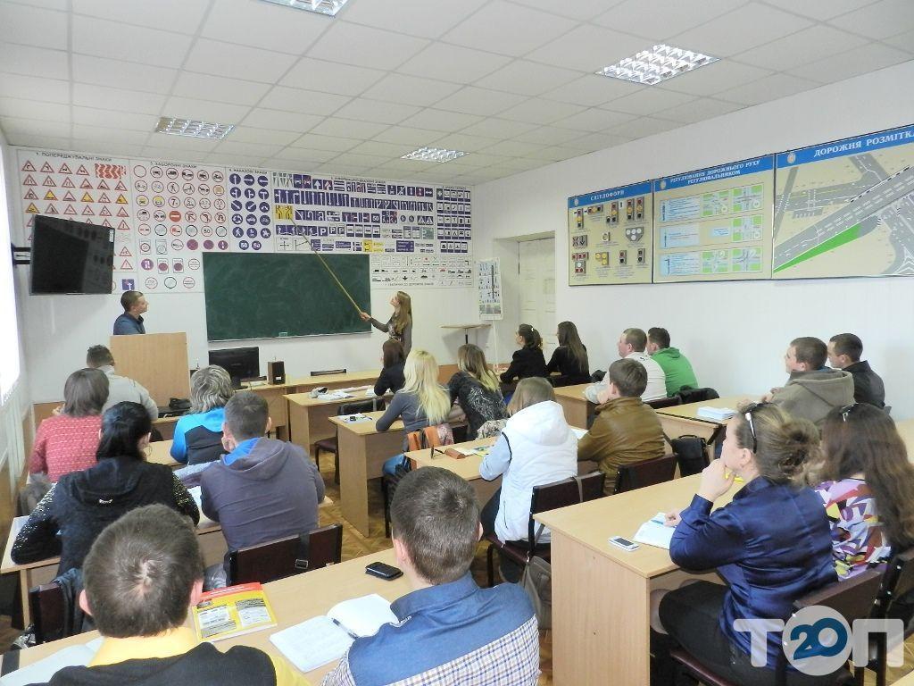 Винницкая автомобильная школа Общества содействия обороне Украины - фото 31