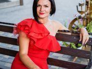 Ведущая Виктория Панова - фото 1