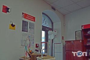 Книгарня Є, сеть книжных магазинов - фото 5