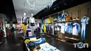 Stradivarius, магазин одежды и обуви - фото 2