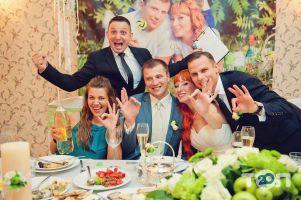 Ведущий Андрей Богданов - фото 1
