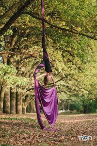 Vinyl Pole Dance Studio, студия танца и акробатики на пилоне - фото 9